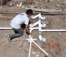 Avanza la construcción del primer baño comunitario.